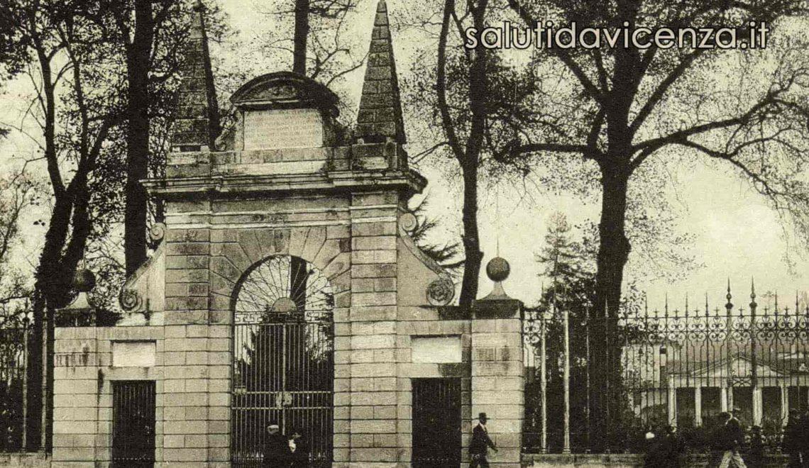 Arco monumentale all'ingresso del Giardino Salvi di Vicenza. Edizioni Galla 1926